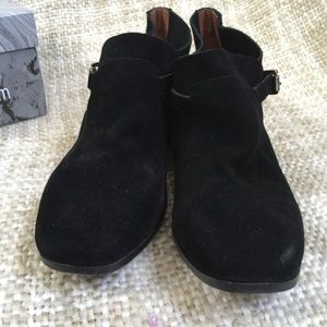 Jeffrey Campbell Shoes - NIB Jeffrey Campbell Golisano Black Suede Booties